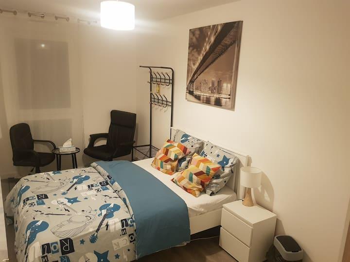 Chambre privée dans 1 appartement 3pc-5min défense