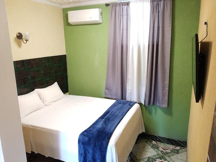 Sapphire Motel - Room 8