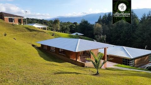 Private Sub-Tropical Paradise w/ Spa & Restaurant