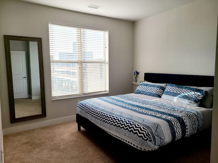 Prime CWE Area w/ Lux Amenities and King Bed (304)