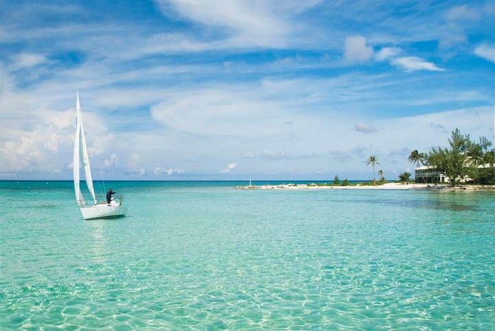 Rum Point Beachfront Beauty! Panoramic views! WOW!