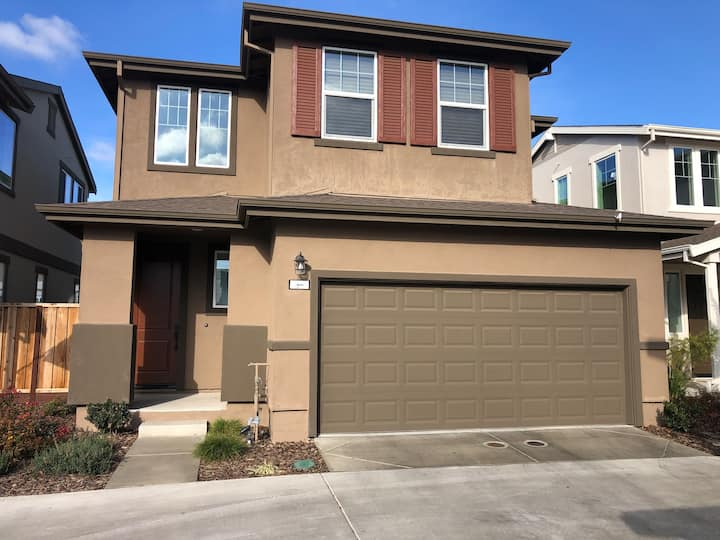 New Modern House in North Natomas