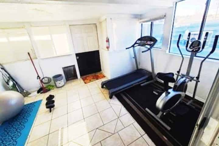 Your home away from home w/mini gym & essentials
