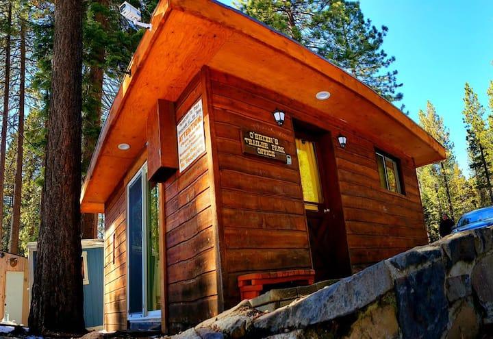 Cozy Tiny Home on Trailer Park @ Kings Beach!