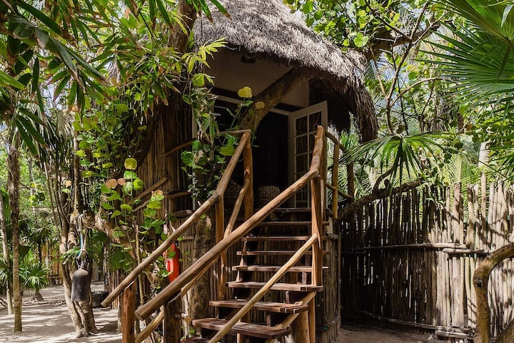 New Treehouse in the heart of Tulum Beach!