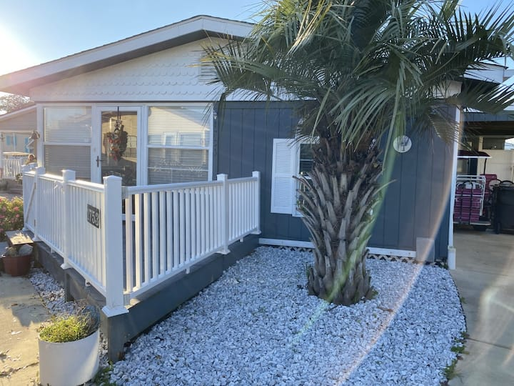AFFORDABLE BEACH COTTAGE IDEAL FOR A LARGE FAMILY
