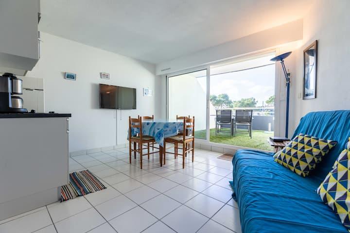 Bel appartement avec terrasse face à la mer