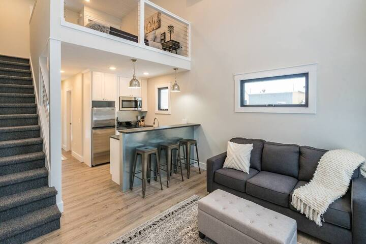 Beautiful Center City Loft Unit 12