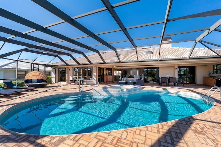 Villa Tropical- 3 BR waterfront villa, heated pool
