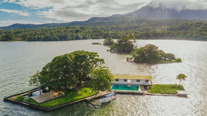 Espléndida Isla Privada, Piscina, 4 habitaciones!
