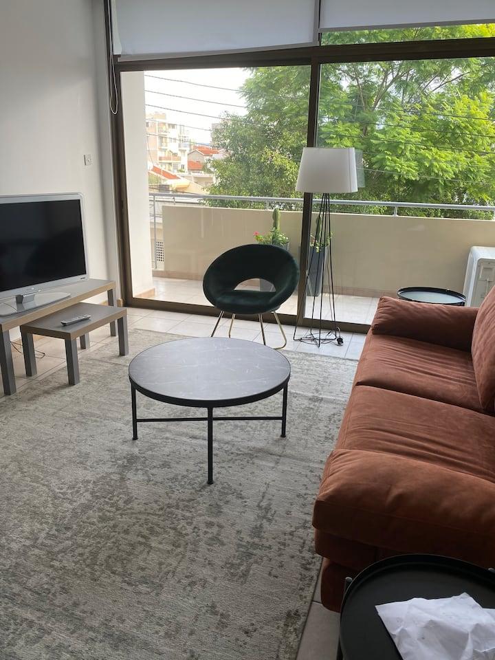 3 bedroom apartment near all amenities!!
