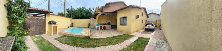 Casa com piscina e churrasqueira em Itaipuaçu