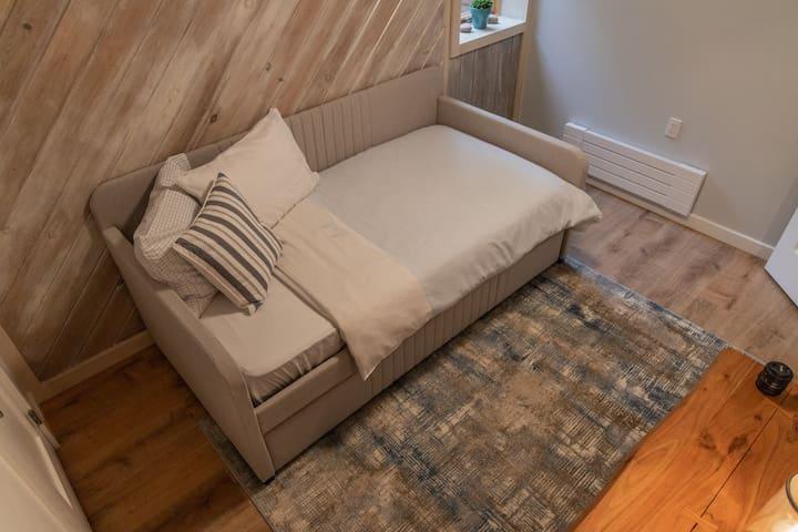 Second Bedroom. 2 Beds