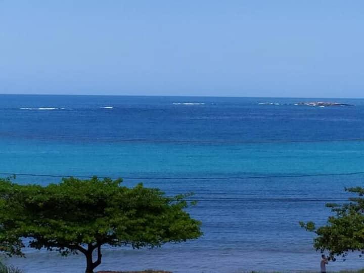 Apt frente mar Meaípe, wifi, garagem, Ar, Completo