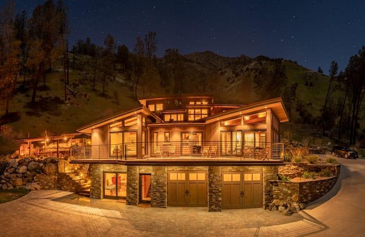 New Private Luxury Riverfront Retreat