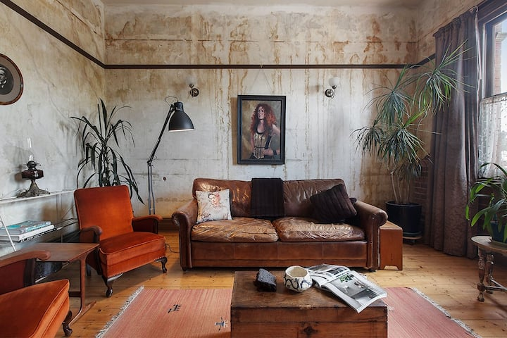 Artsy Eclectic Collingwood Charm with Courtyard