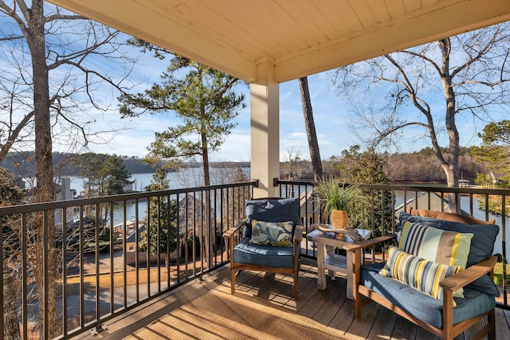 *Couple's Getaway* Pets Welcome | Boat Dock & Pool