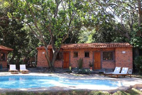Los Árboles小木屋-工作室。