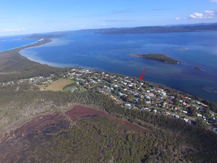 Wallis Lake Retreat-Between the ocean and the lake