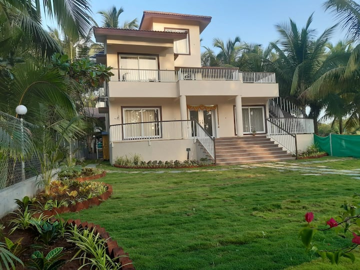 Five bedroom villa at Nagaon