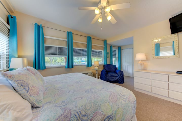 Superior Resort Apartment for 4 with swimming pool
