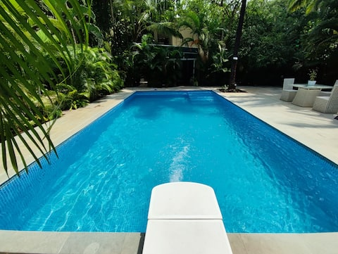 3 BHK Luxury Pool Villa - 2min walk to Kihim Beach