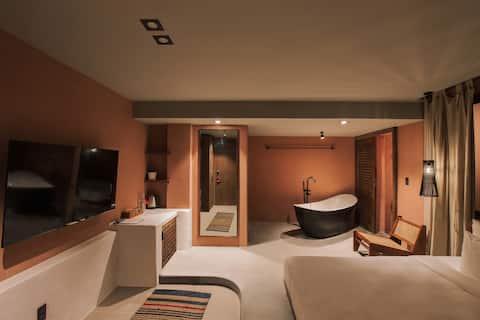 Deluxe Room with bathtub/Smart TV - THE ARATANA