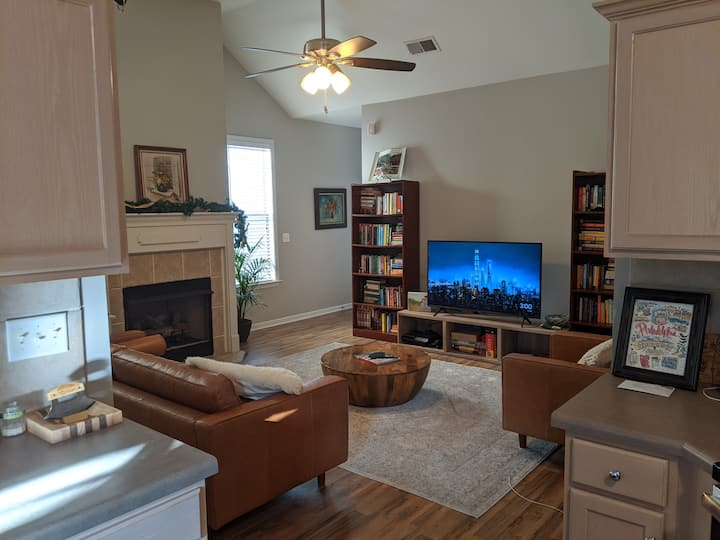 Beautiful Home in Safe Downtown Memphis Community