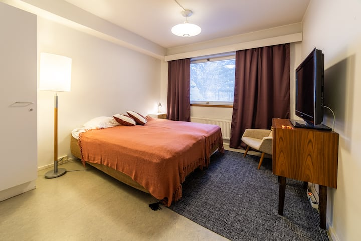 Luolaja /Twin Room with Shared Shower and Toilet