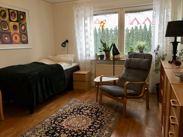 Privat studio with kitchen 4,5 km to Uppsala city.
