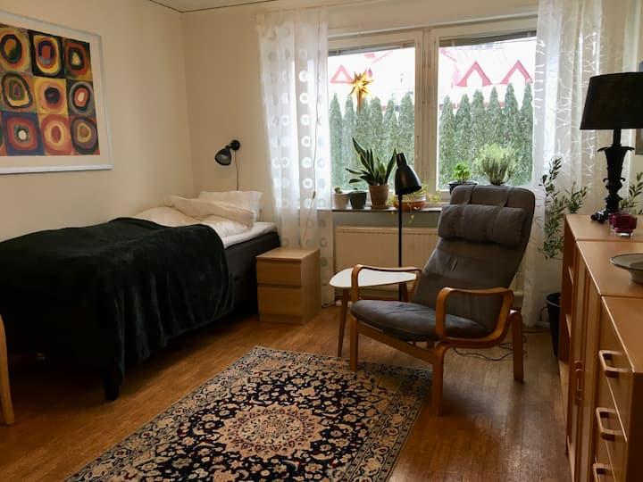 Privat studio with kitchen 4,5 km to Uppsala city.