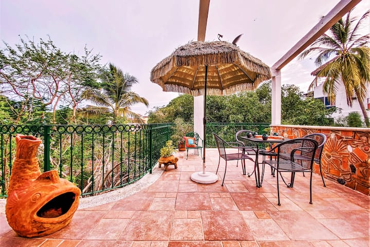 Beautiful Loft with Jacuzzi Terrace Tropical Area