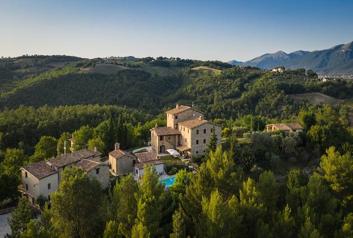 Holiday House 17 Pers @Borgo Castello Panicaglia