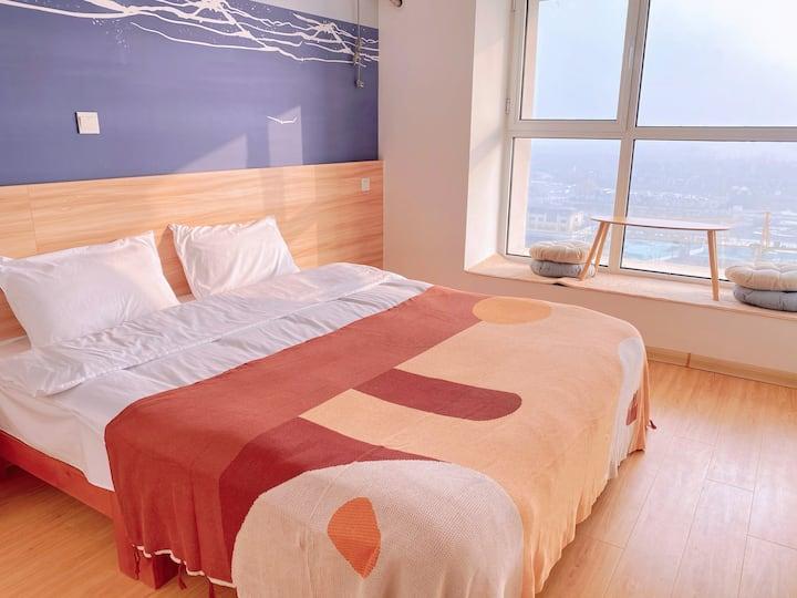 【里宿room10】日式简约一室海景房|大屏投影|下沉式沙发|东夷小镇|万平口|海洋公园