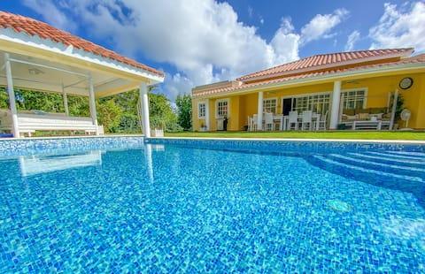 """Villa """"Los Cocos"""" 5 BR with Private Pool *****"""