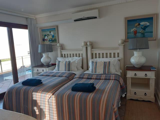 Family Unit Joy has twin beds