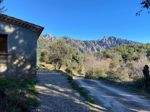 Casă de piatră în Parcul Natural Montserrat