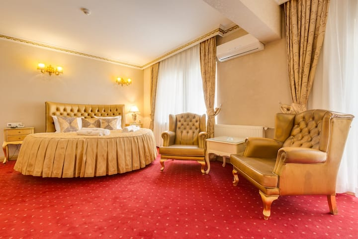 Twins Boutique Hotel - Deluxe King Room