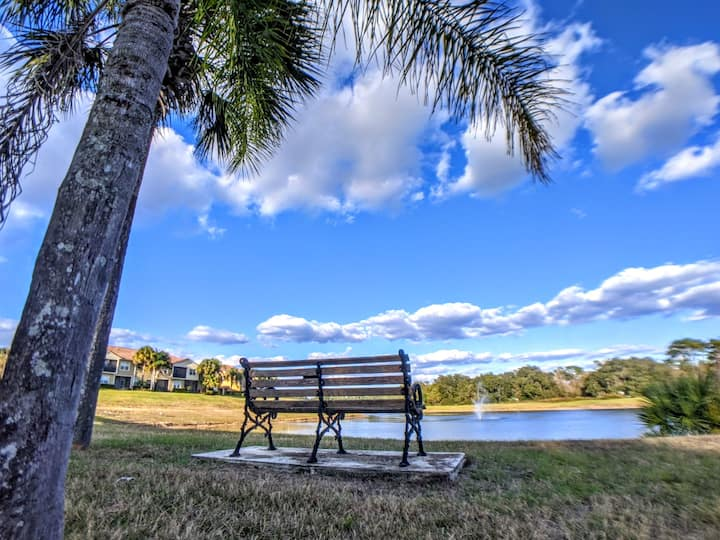 Lake View 3BR Condo ...Near Disney And Shopping