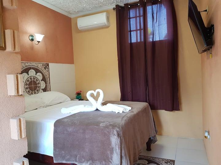 Sapphire Motel - Room 7