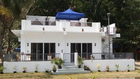 Private Lopez Beach front White Villa-2B/3B,(6-8)