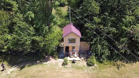 Tiny Home Nestled between Thornbury & Meaford