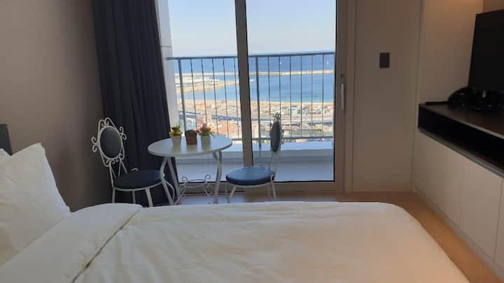썬라이즈 호텔/동해바다뷰 20층 최대 2인 호텔/야경/아침 일출