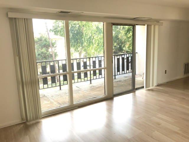 Comfy and Spacious room nearby DC and Alexandria
