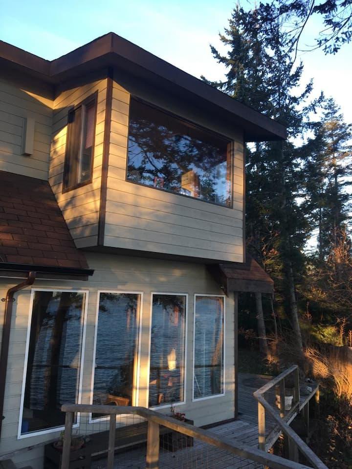 Wonderful house on the wild West Coast