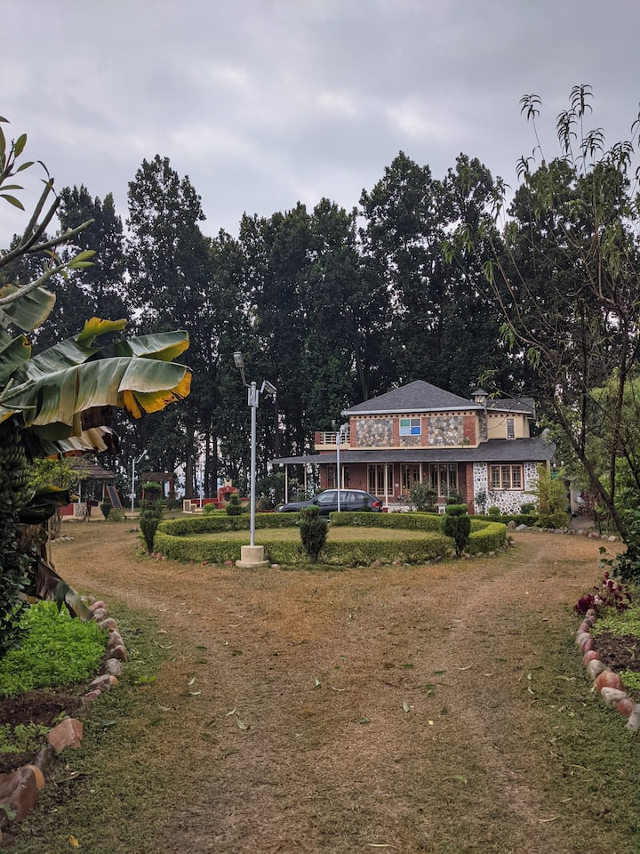 The Woodside Farmhouse