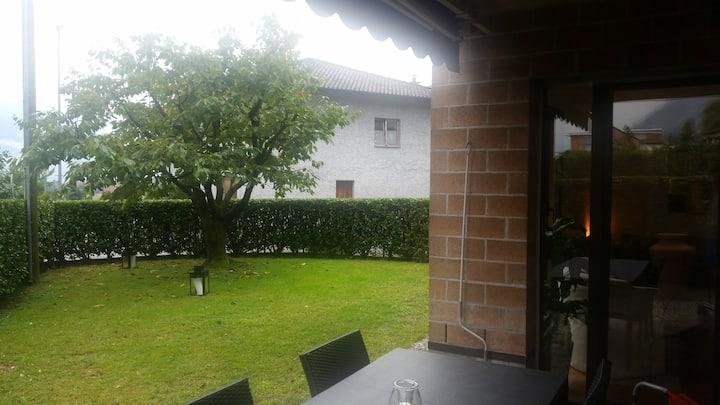 Gordola, Ticino Intero appartamento con giardino