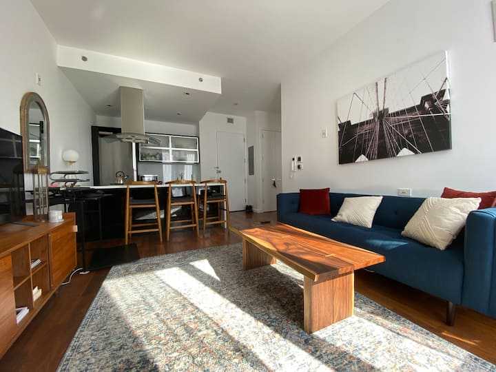 Modern Condo w/Luxury Amenities by McCarren Park
