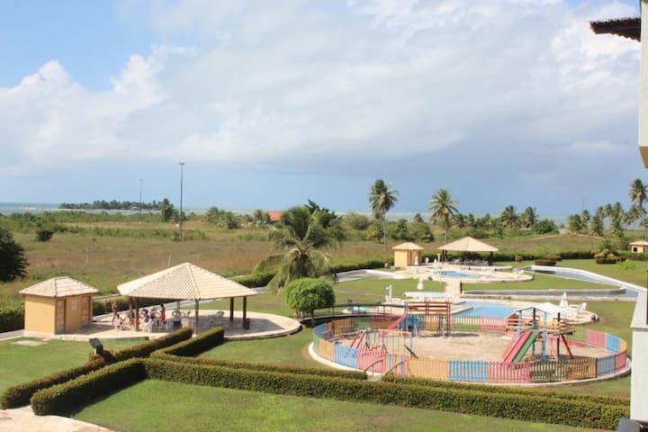 Flat mobiliado no Condomínio Gavoa Resort
