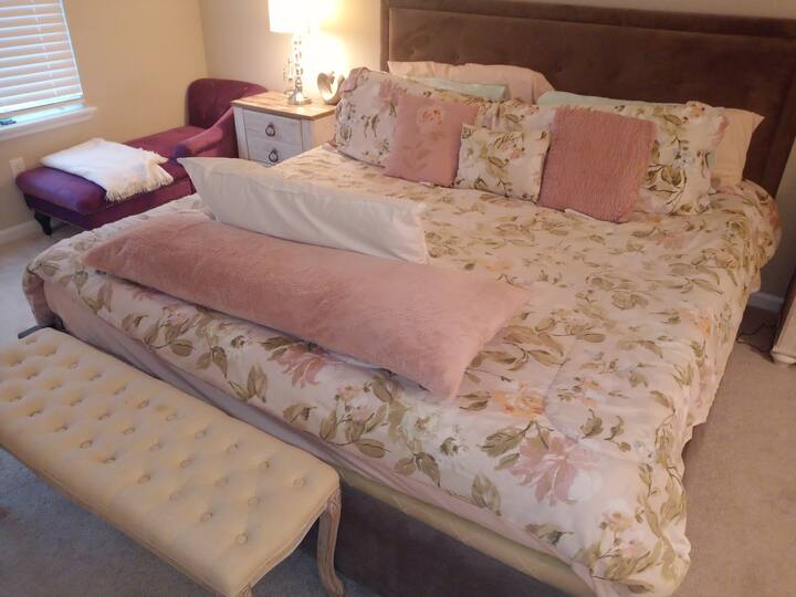 Nice master suite for rent